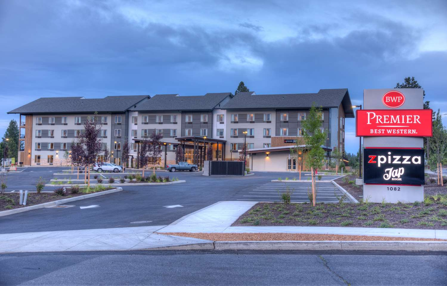 Exterior view - Best Western Premier Peppertree Inn at Bend