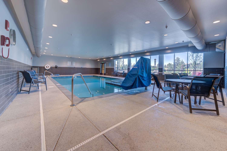 Pool - Best Western Premier Peppertree Inn at Bend