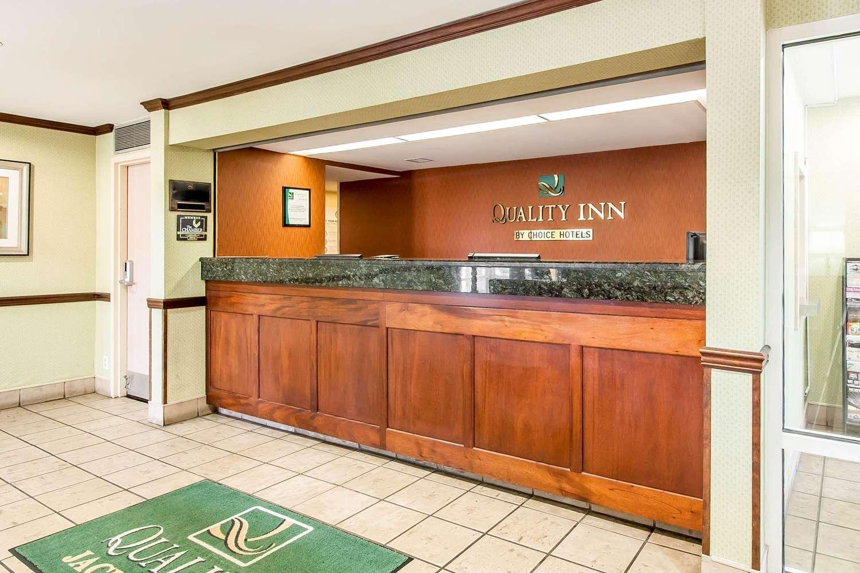 Lobby - Quality Inn Jackson