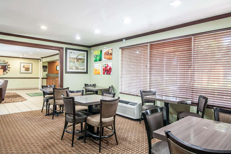 Restaurant - Quality Inn Jackson