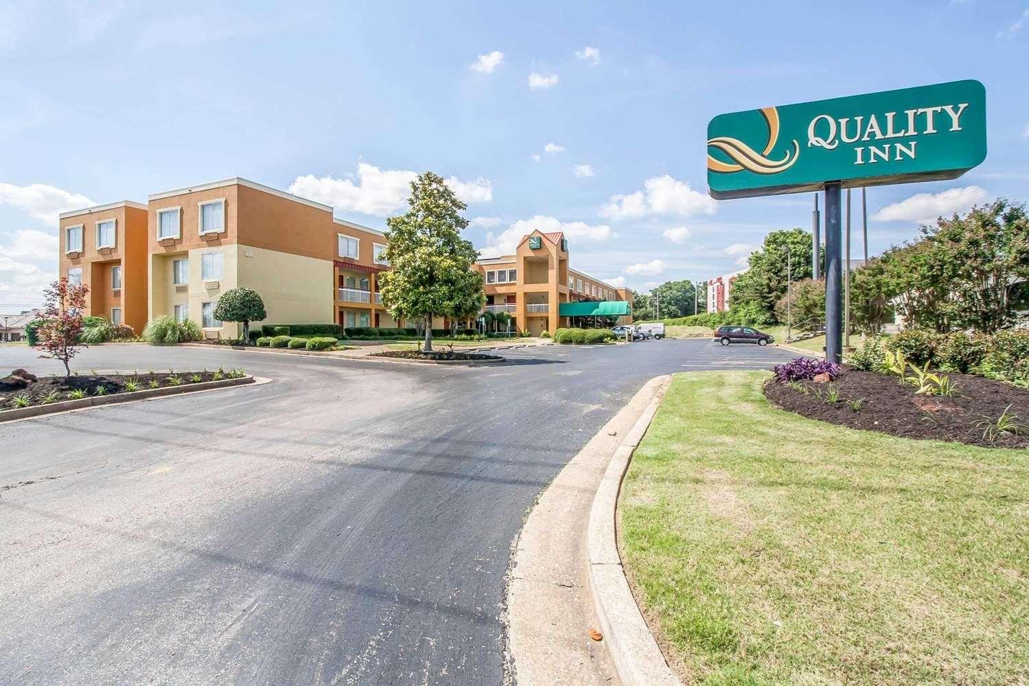 Exterior view - Quality Inn Jackson