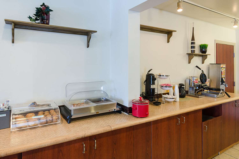 Restaurant - Econo Lodge Inn & Suites Johnson City