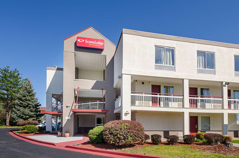 Exterior view - Econo Lodge Inn & Suites Johnson City