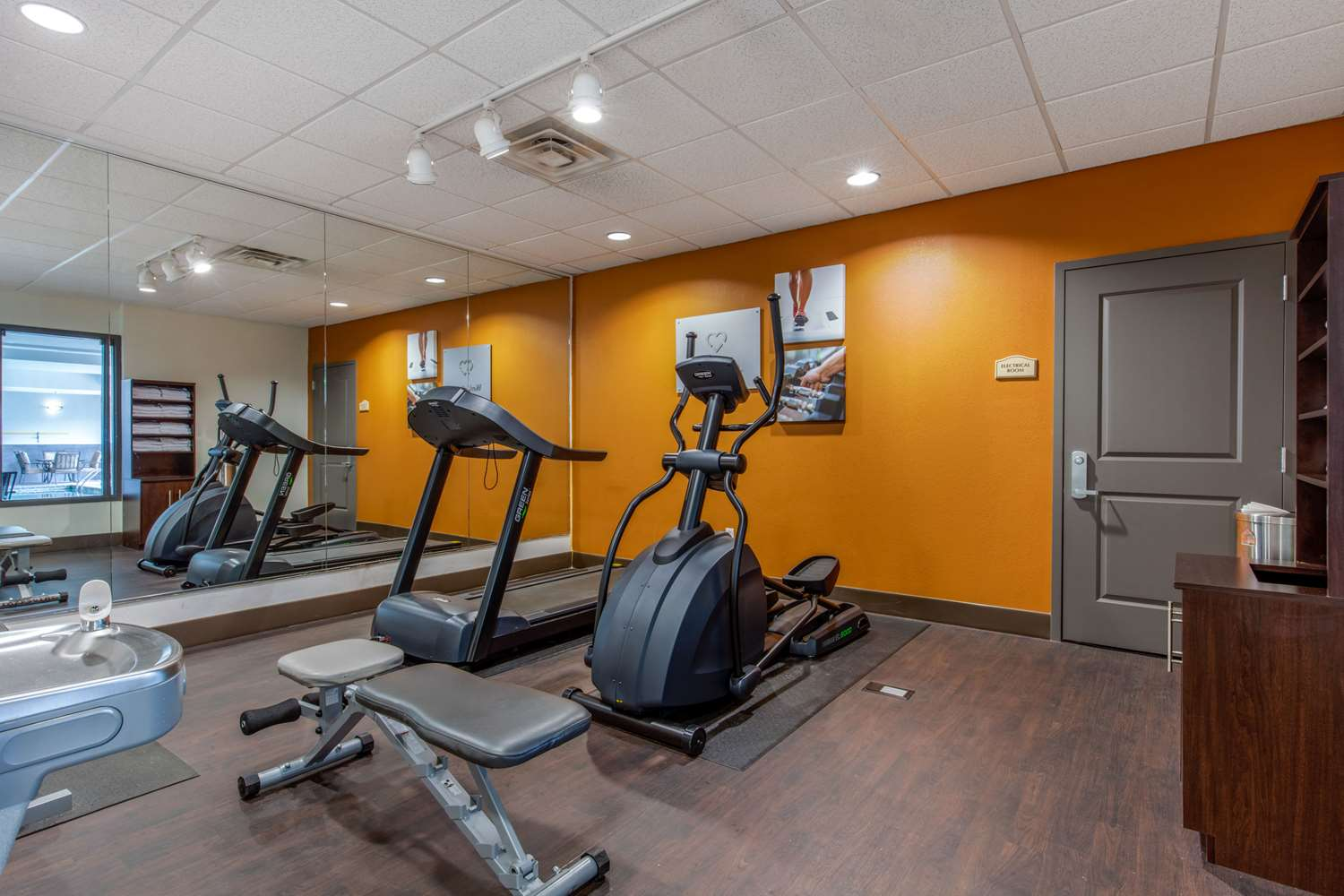 Fitness/ Exercise Room - Comfort Suites Jackson