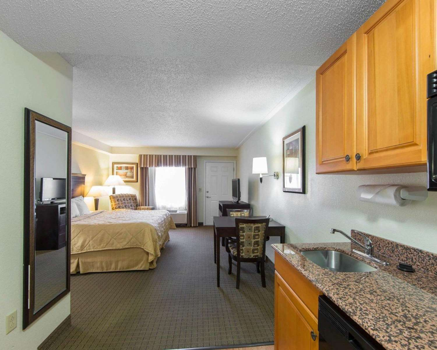 Room - MainStay Suites Knoxville