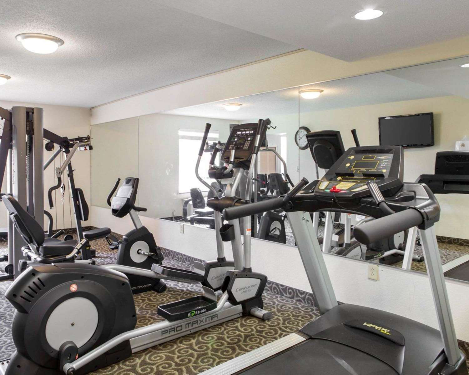 Fitness/ Exercise Room - MainStay Suites Knoxville