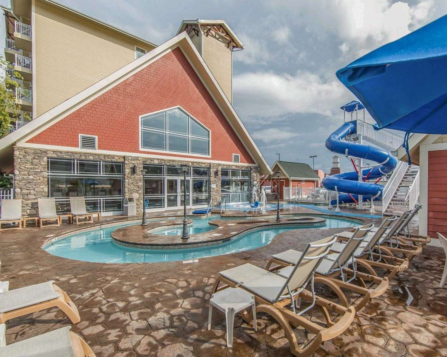 Clarion Hotel Pigeon Forge, TN - See Discounts