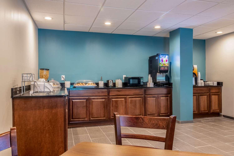 Restaurant - Econo Lodge East Ridge