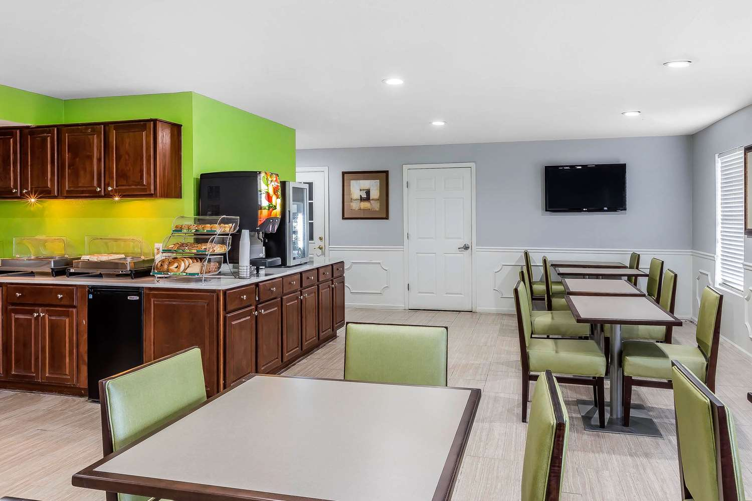 Restaurant - Quality Inn Gallatin