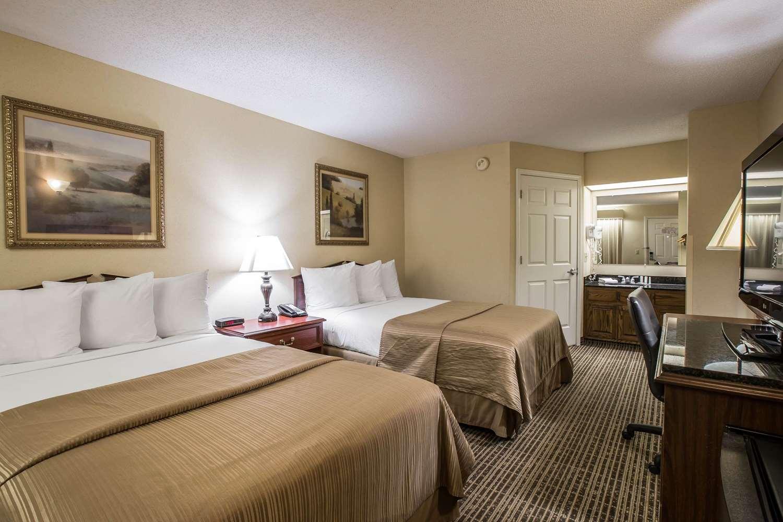 Room - Quality Inn Johnson City