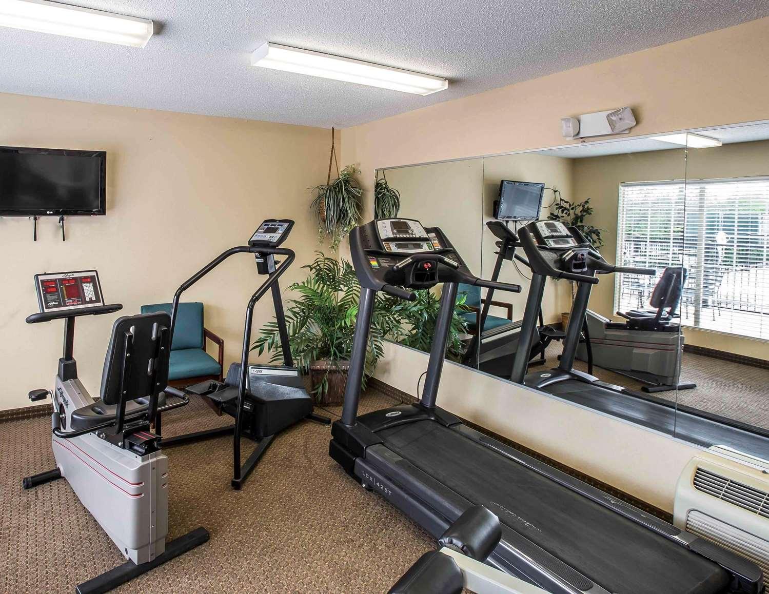 Fitness/ Exercise Room - Quality Inn Johnson City