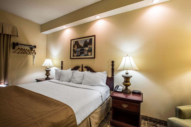 Room - Quality Inn Kingsport