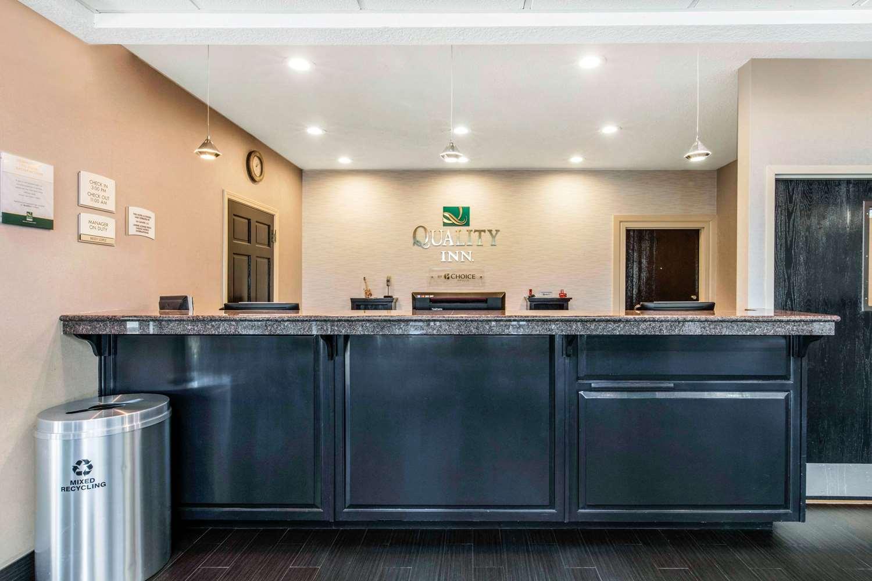 Lobby - Quality Inn Airport Memphis