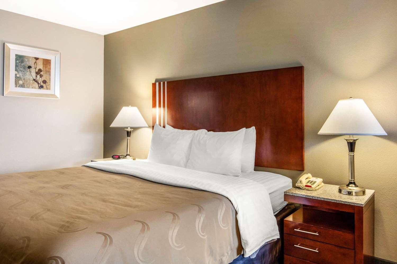 Room - Quality Inn Airport Memphis