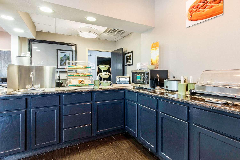 Restaurant - Quality Inn Airport Memphis