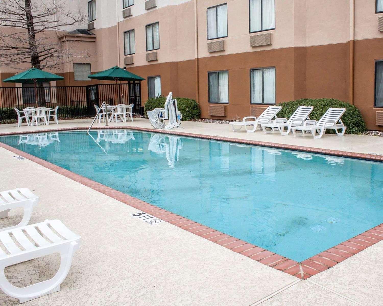 Pool - Sleep Inn Six Flags Arlington
