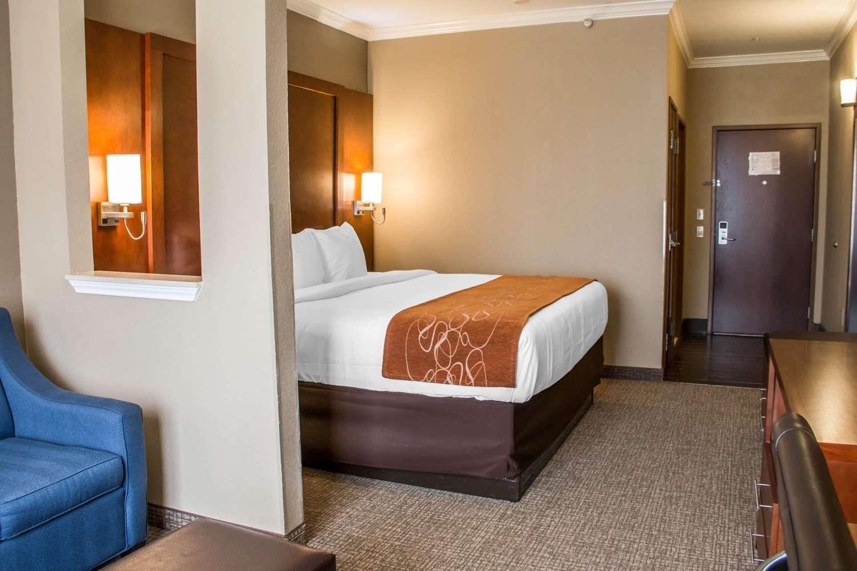 Room - Comfort Suites New Braunfels
