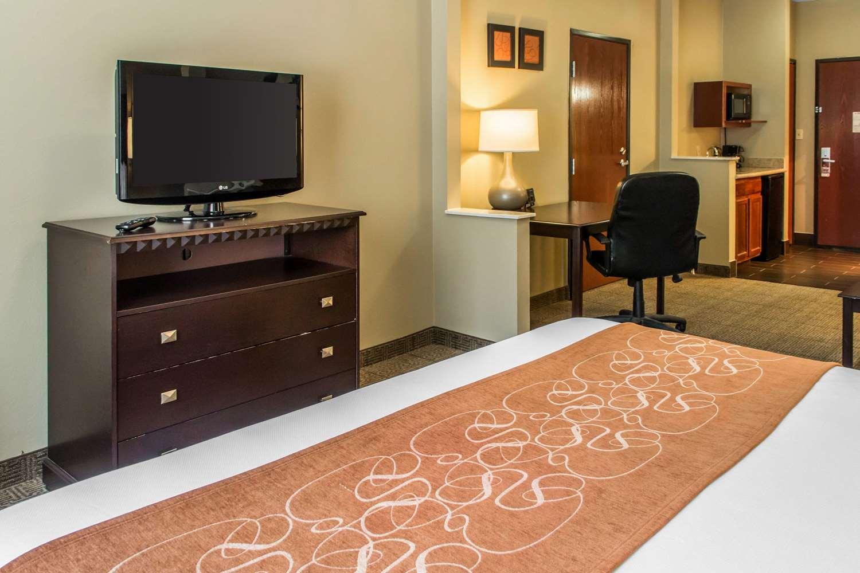 Room - Comfort Suites Round Rock