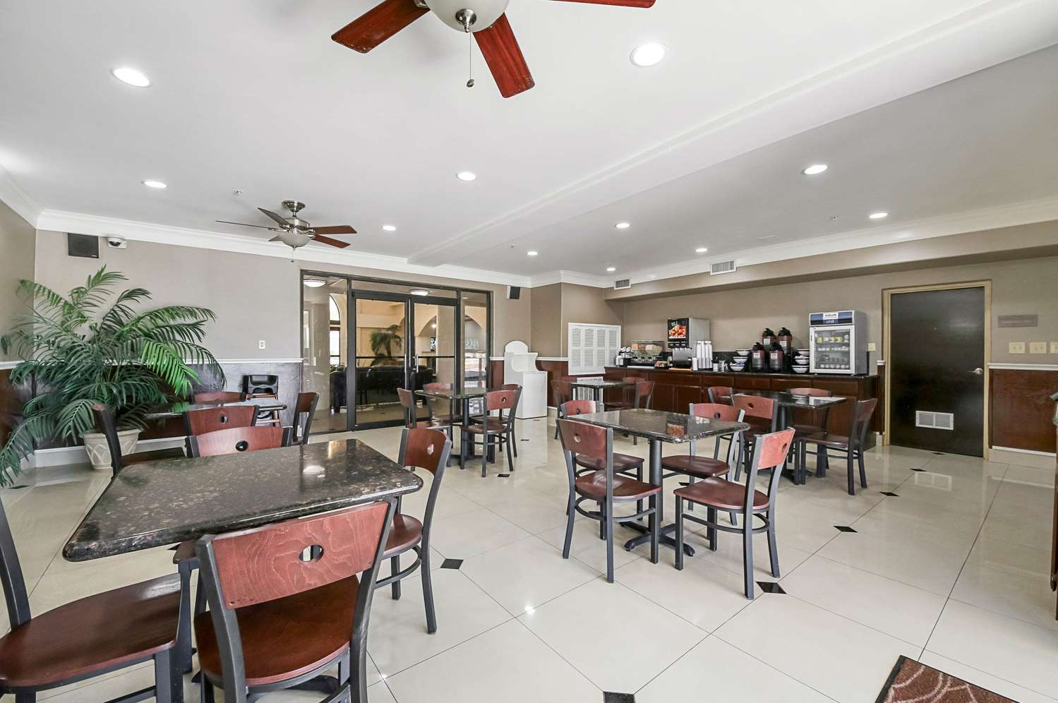Restaurant - Quality Inn Kingsville