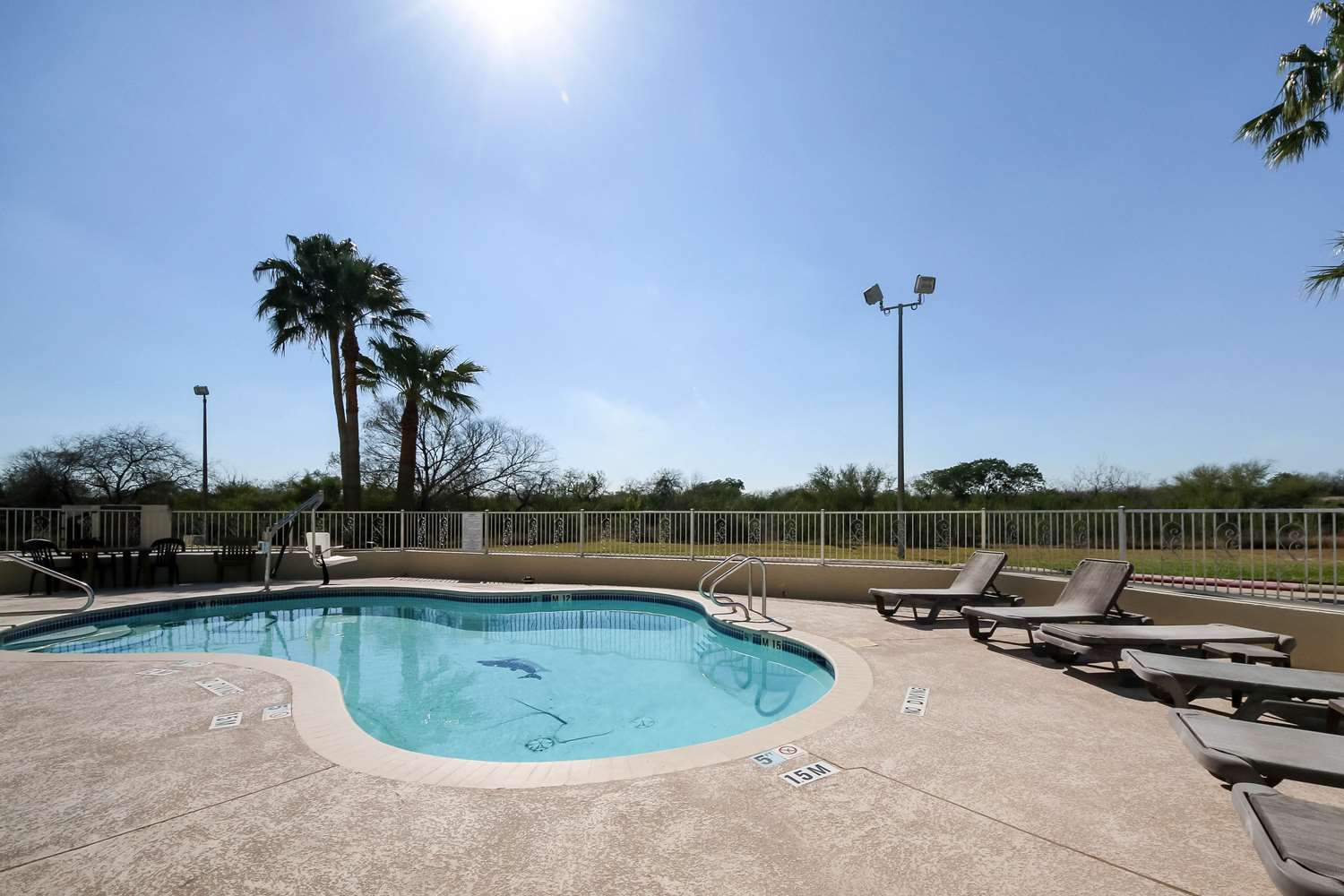 Pool - Quality Inn Kingsville