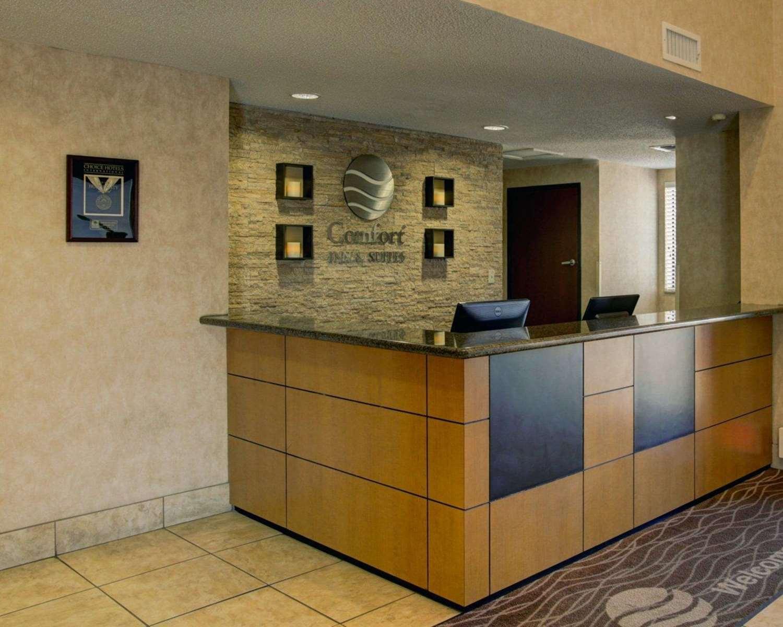 Lobby - Comfort Inn & Suites Seguin