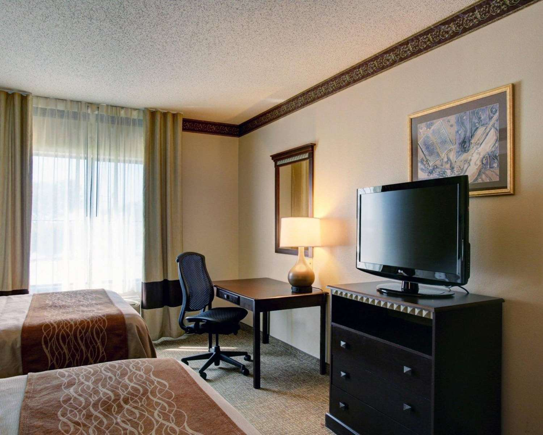 Room - Comfort Inn & Suites Seguin