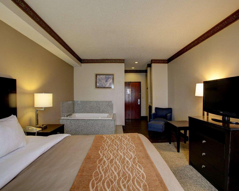 Suite - Comfort Inn & Suites Seguin