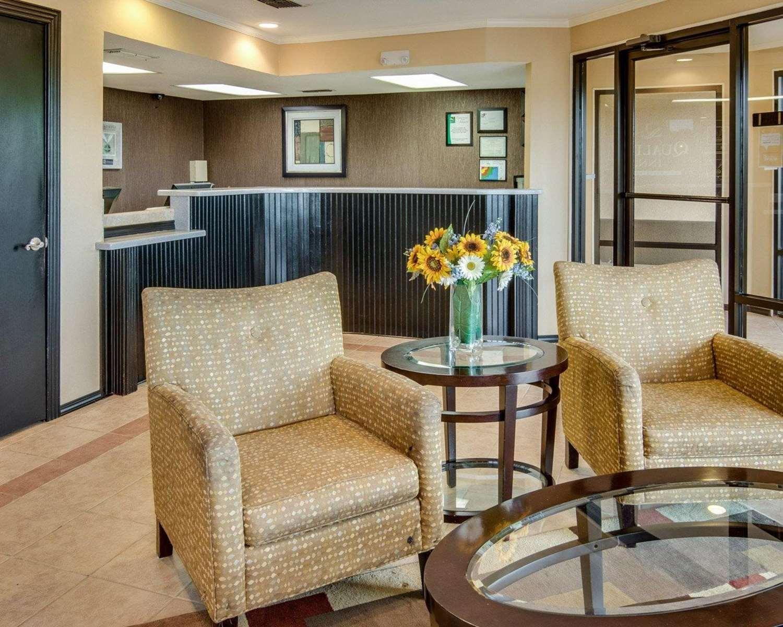 Lobby - Quality Inn Mt Pleasant