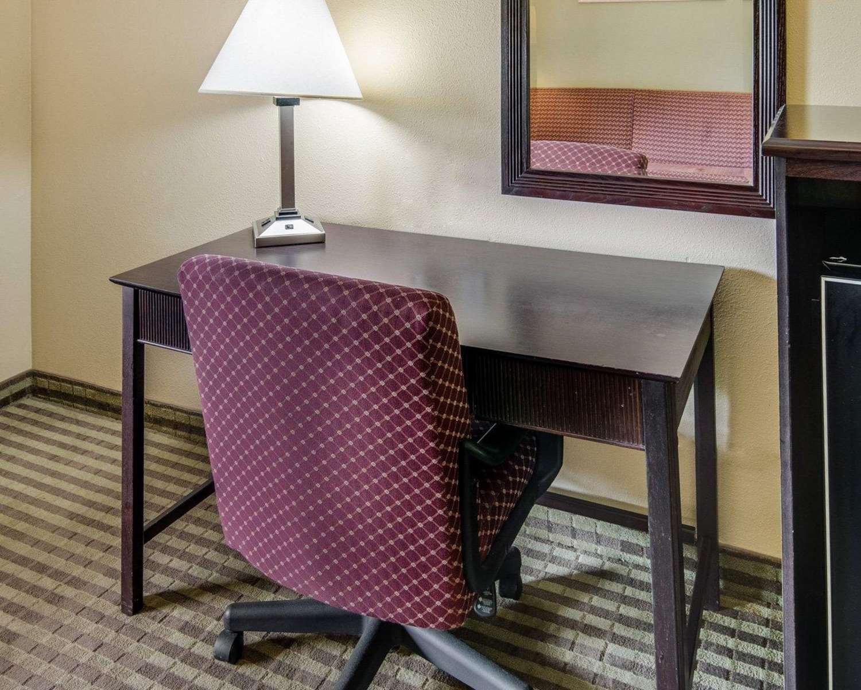 Room - Quality Inn Mt Pleasant