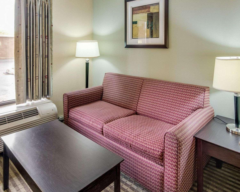 Suite - Quality Inn Mt Pleasant