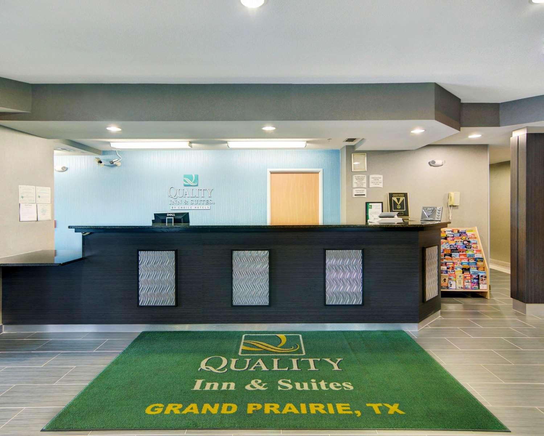 Lobby - Quality Inn & Suites Grand Prairie