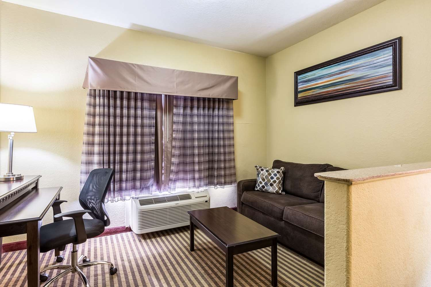 Suite - Quality Suites North Houston