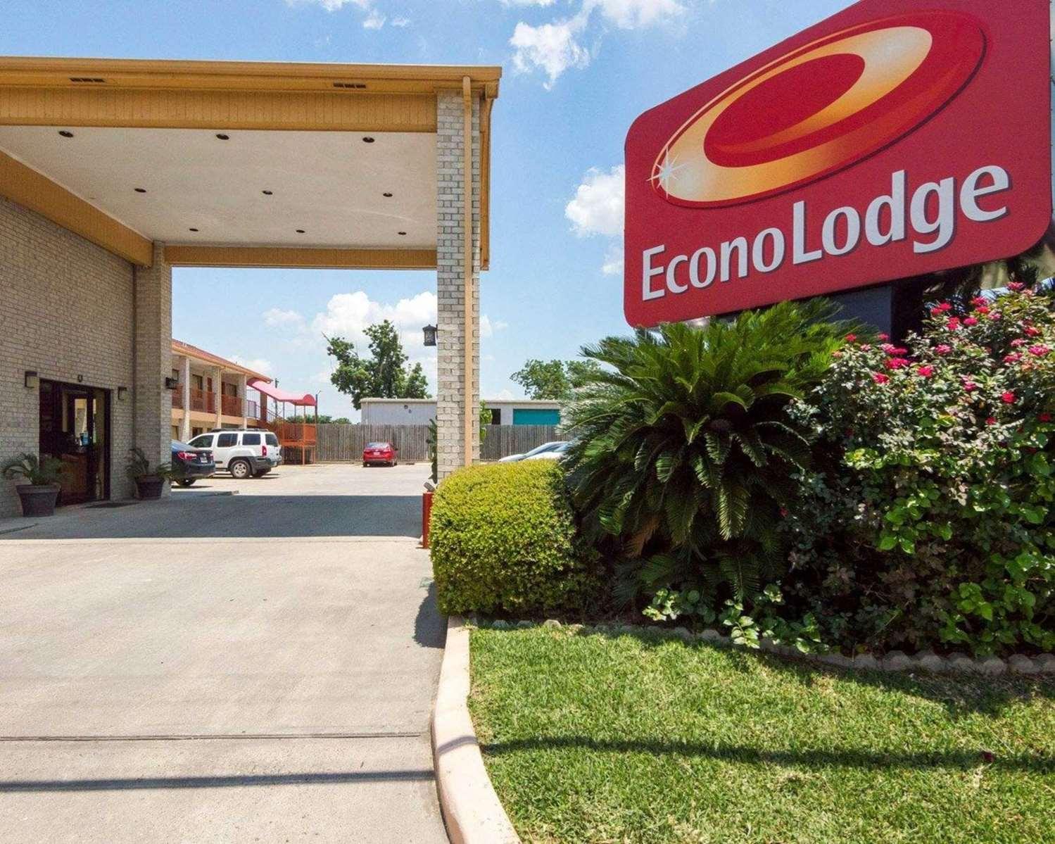 Exterior view - Econo Lodge Northwest Houston