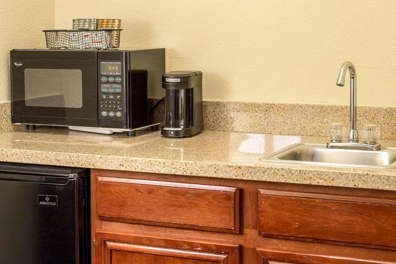 Suite - Comfort Suites North Fort Worth
