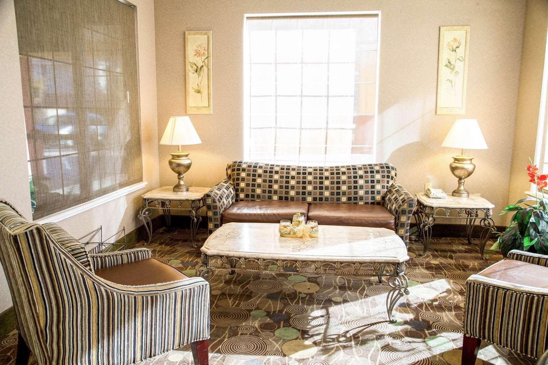 Lobby - Comfort Suites North Fort Worth
