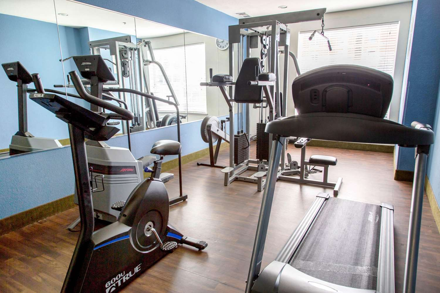 Fitness/ Exercise Room - Comfort Suites North Fort Worth