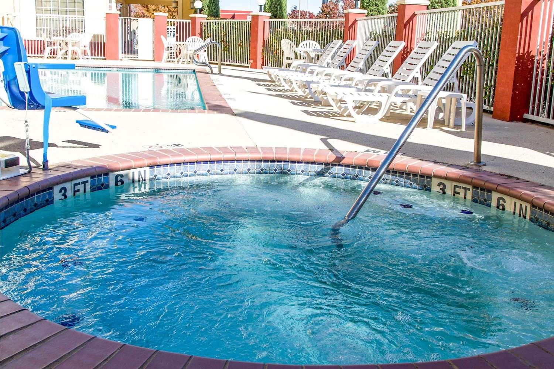 Pool - Comfort Suites North Fort Worth