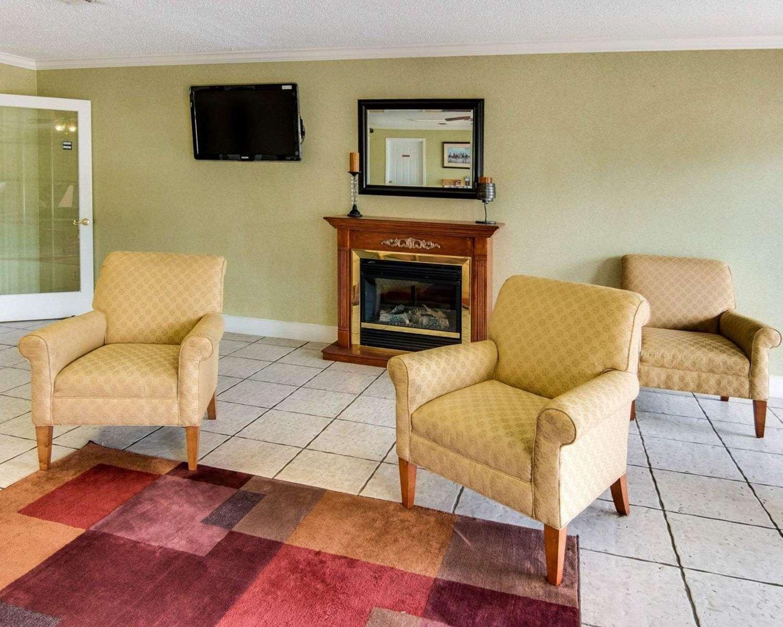 Lobby - Rodeway Inn Texarkana