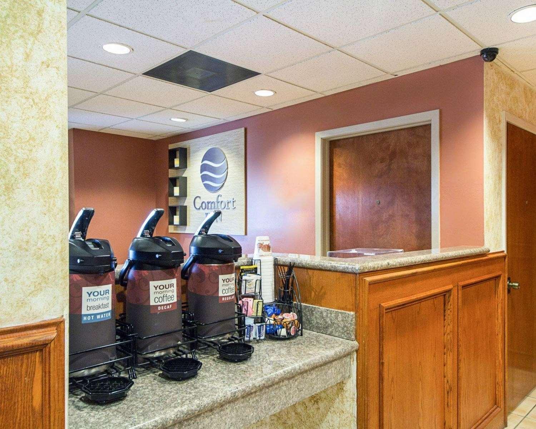 Lobby - Comfort Inn Medical Center Mission
