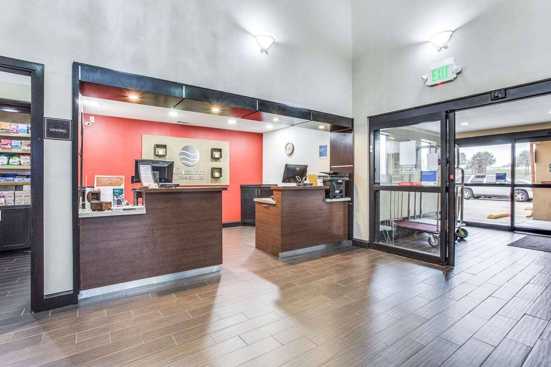 Lobby - Comfort Inn & Suites Market Center Dallas