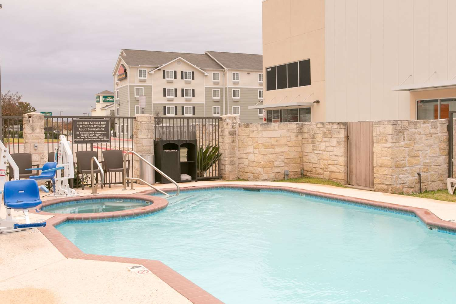 Pool - Comfort Suites US 183 Austin
