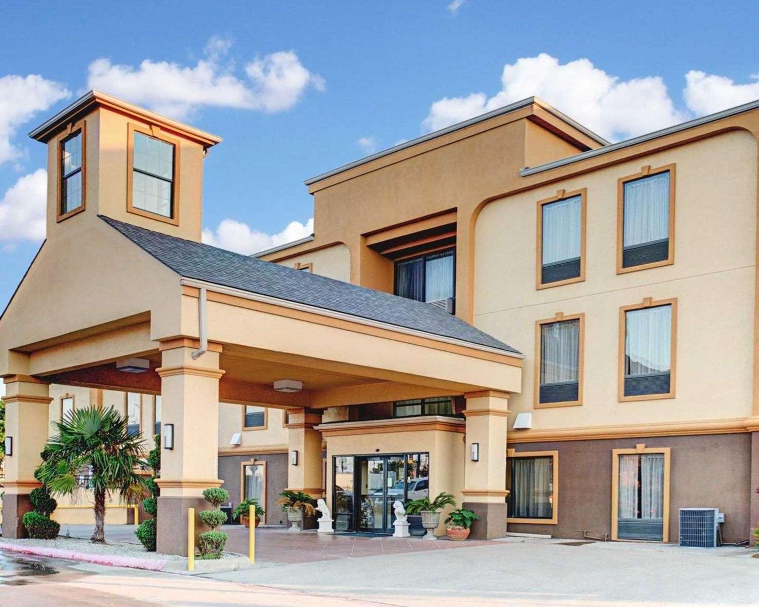 Exterior view - Comfort Inn Corsicana
