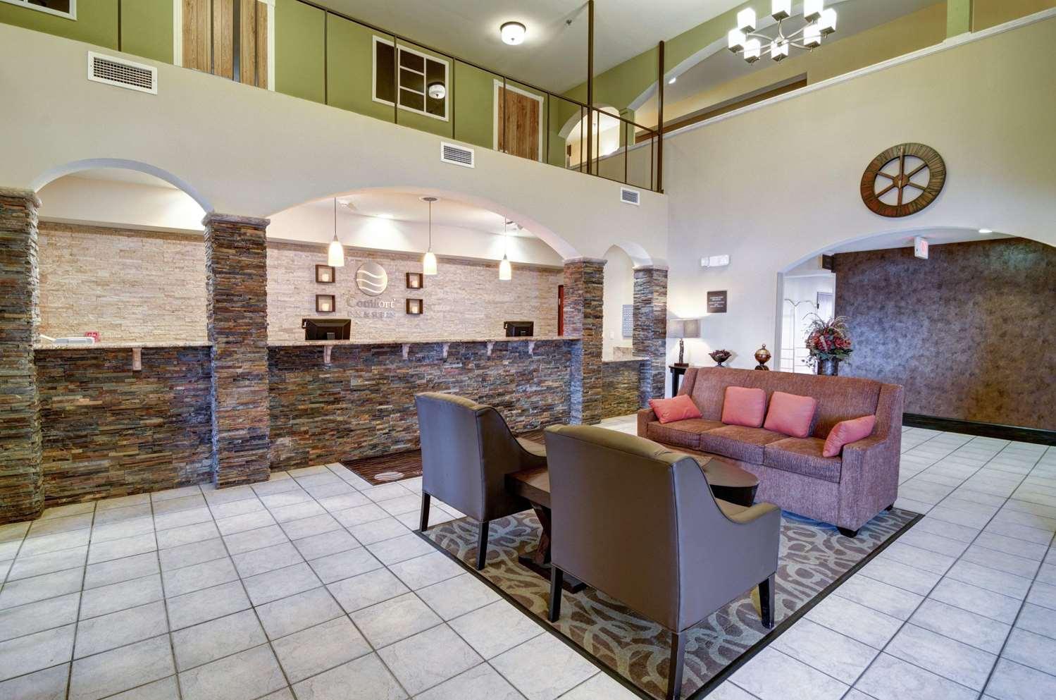 Lobby - Comfort Inn & Suites Amarillo