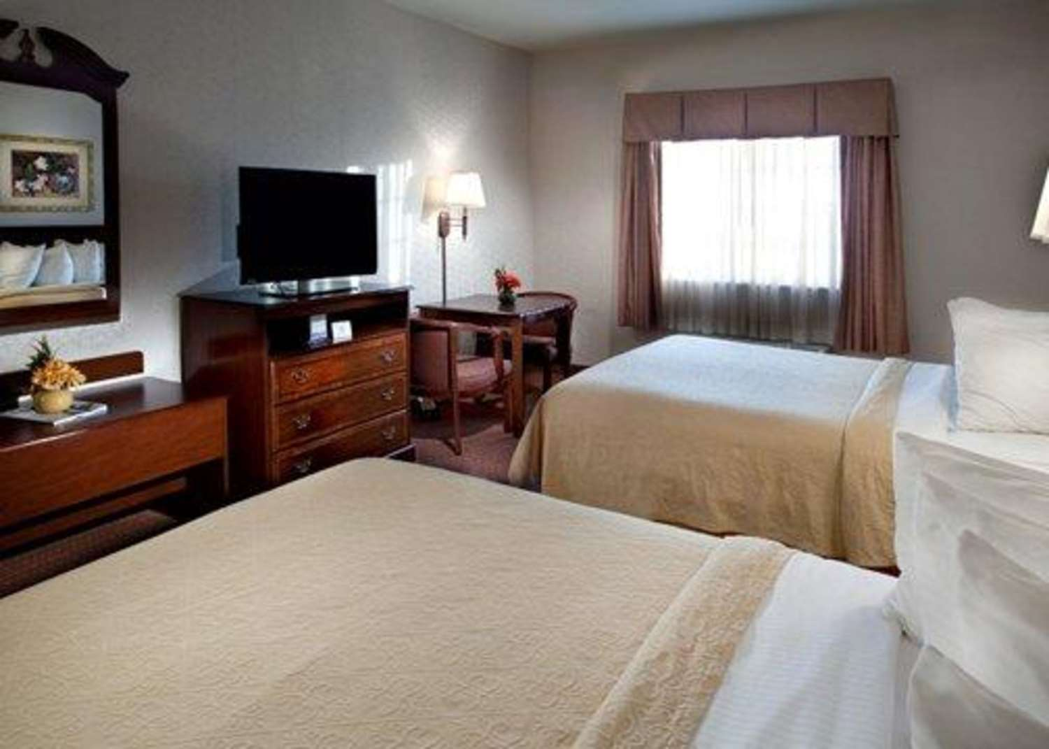 Quality Inn & Suites South Waco, TX - See Discounts on