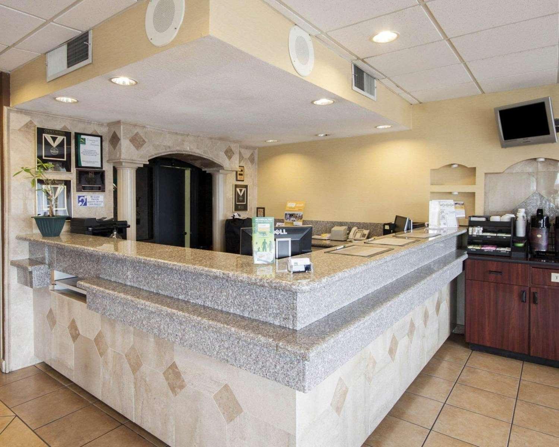Lobby - Quality Inn & Suites El Paso