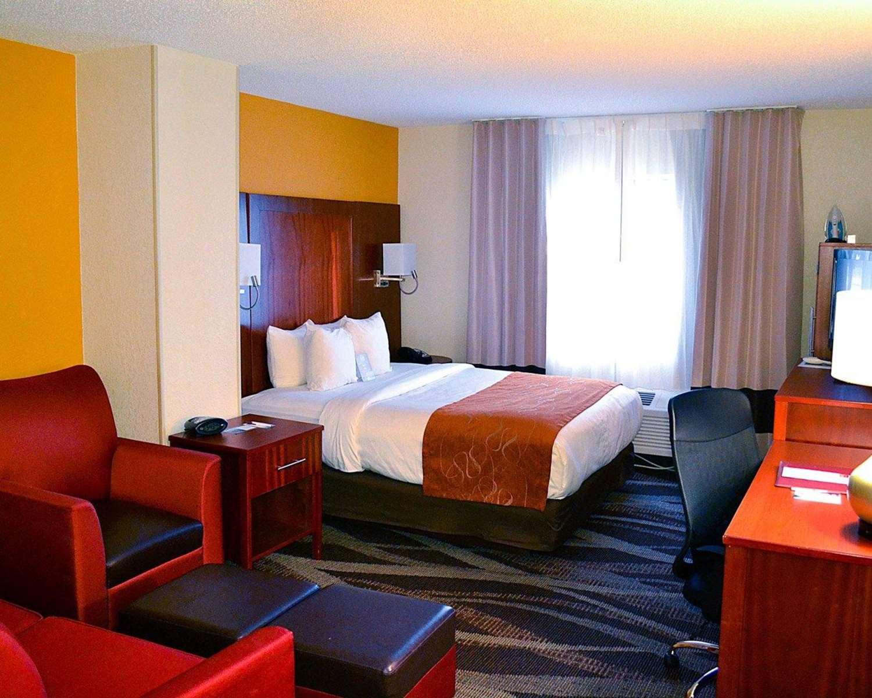 Room - Comfort Suites Longview