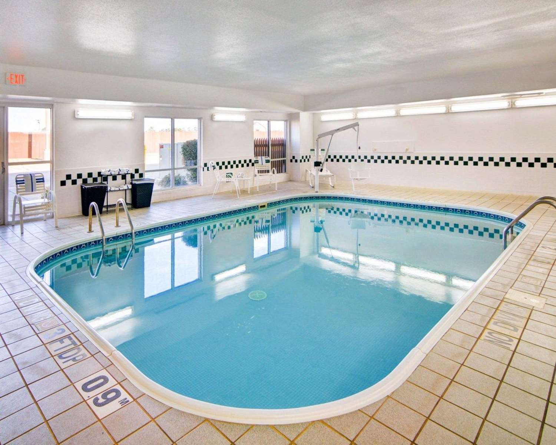 Pool - Comfort Suites Longview