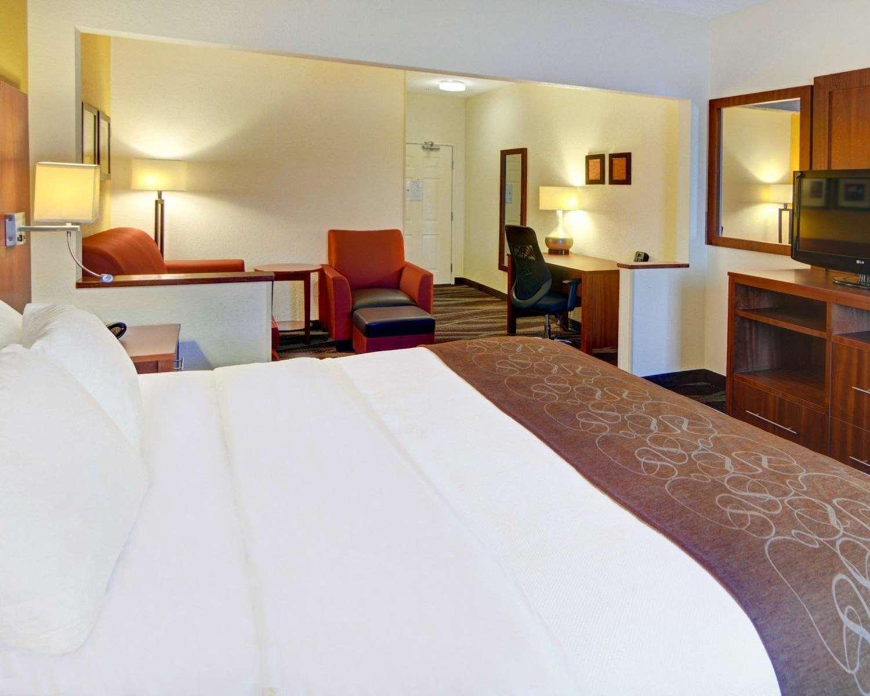 Suite - Comfort Suites Longview