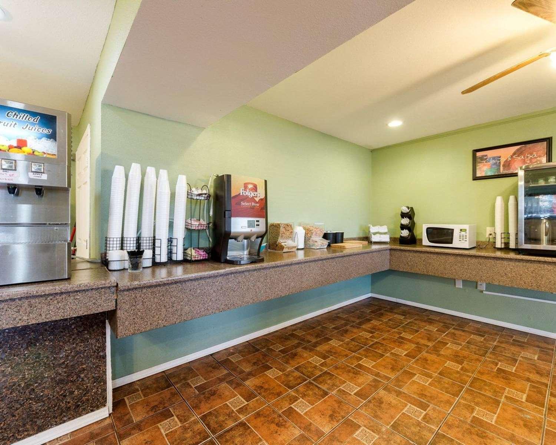Restaurant - Rodeway Inn Corpus Christi