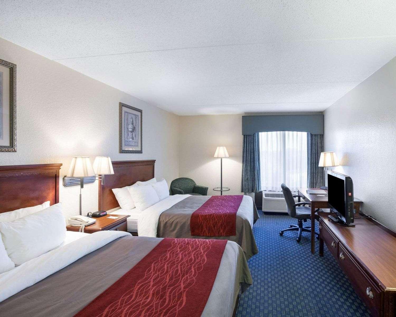 Room - Comfort Inn & Suites Airport San Antonio